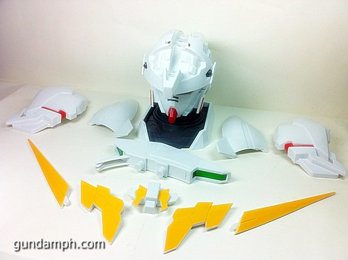 Banpresto Gundam Unicorn Head Display  Unboxing  Review (32)
