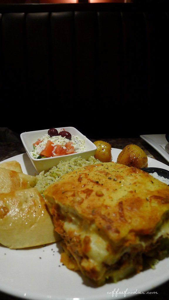 Dinakis Mediterranean Grill 00011