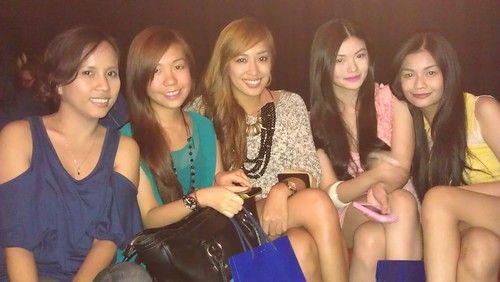 Good times with my sweet and beautiful fashion blogger babies and friends, Tracy, Lissa, and Vern