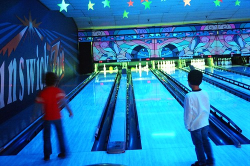 Five year olds bowl