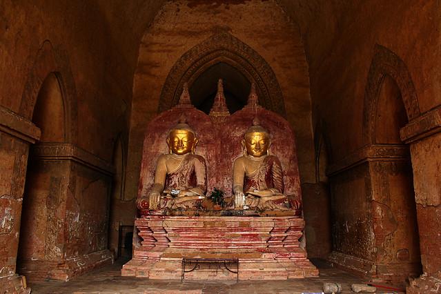 Gautama and Maitreya, the historical and future buddhas - Dhammayangyi Pahto, Bagan