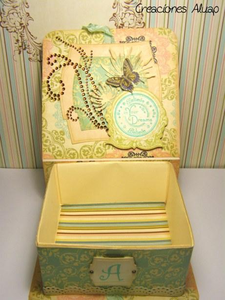 detalle interior caja
