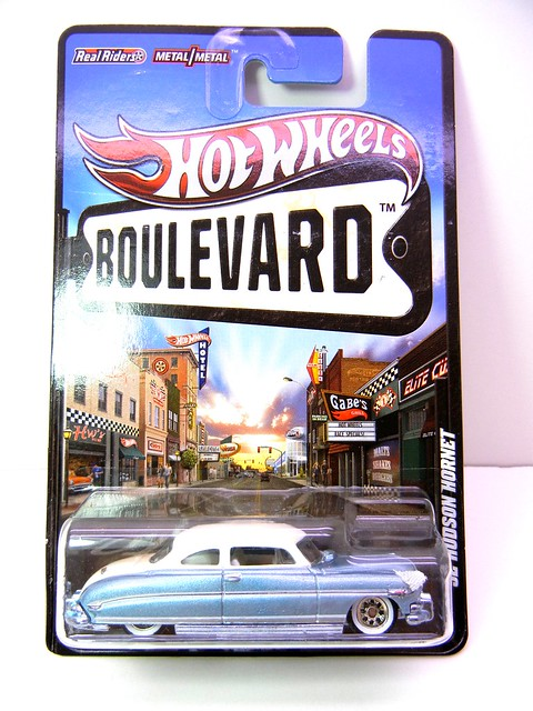 HOT WHEELS BOULEVARD '52 HUDSON HORNET (1)