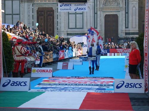 """Foto """"Firenze Marathon 2011 - Bandierai degl Uffizi"""" by unpdimondo - flickr"""