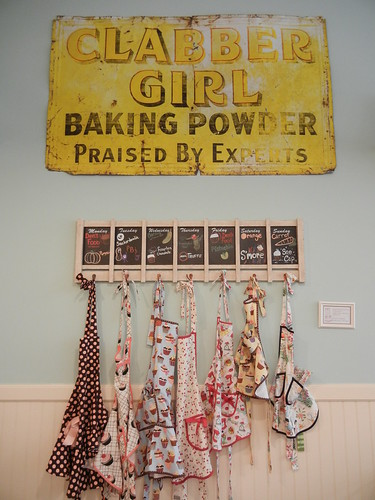 Vintage kitchen inspiration: Magnolia Bakery
