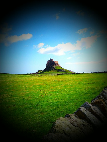 Lindisfarne Castle by deadheaduk