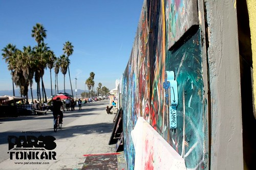 Man at work #7/111 // Venice beach, Los Angeles, 2011 by Pegasus & Co
