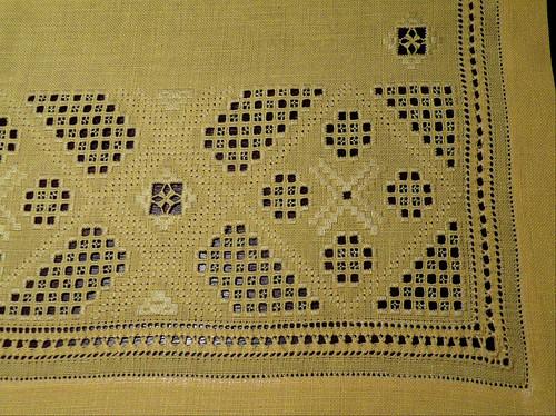 Yellow mat 1 detail