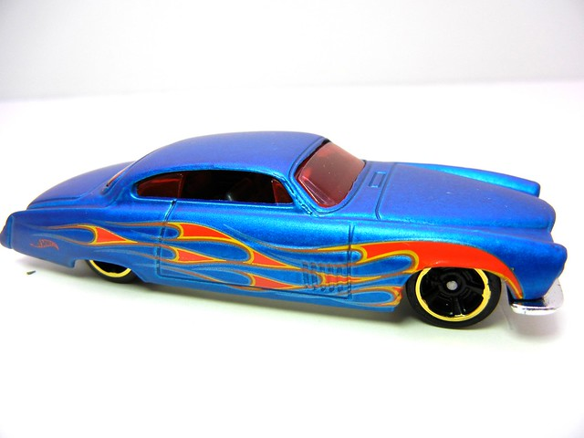 HOT WHEELS FISH'D & CHIP'S SATIN (2)
