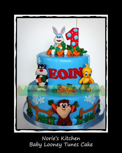 Norie's Kitchen - Baby Looney Tunes Cake by Norie's Kitchen