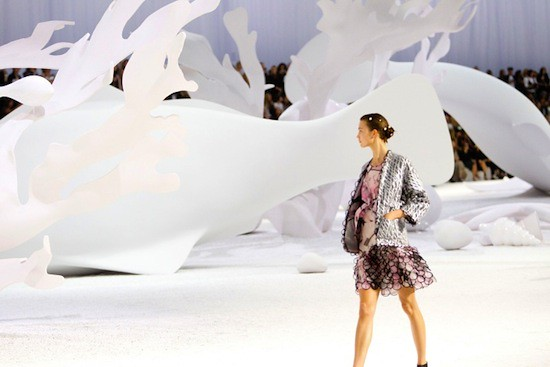 Spring 2012 RTW Collection - Candids (14)