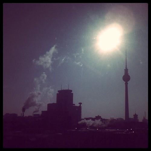 Sonne, Skyline, Fernsehturm.
