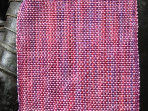 2011_07_26_Pink_plain_weave_scarf_detail