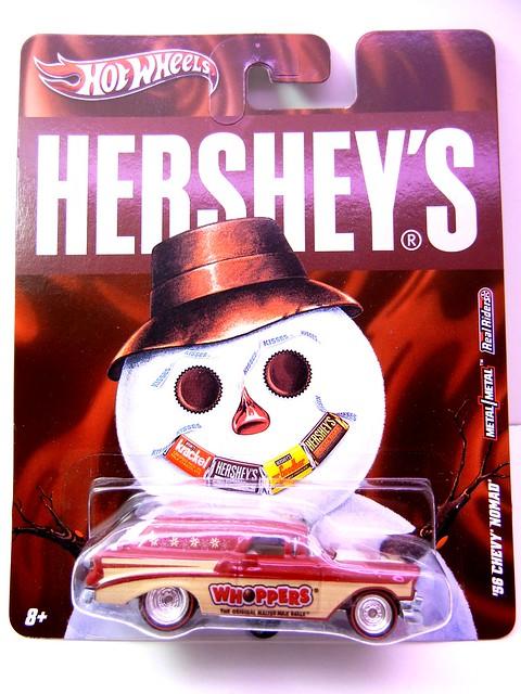 HOT WHEELS NOSTALGIA HERSHEYS '56 CHEVY NOMAD (1)