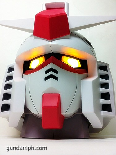 BIG RX-78-2 Gundam Head Coin Bank 30th Anniversary Edition 7-11 (33)