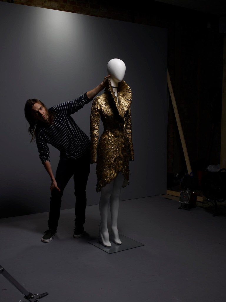 Savage Beauty Exhibition 2011 - Behind The Scenes (7)