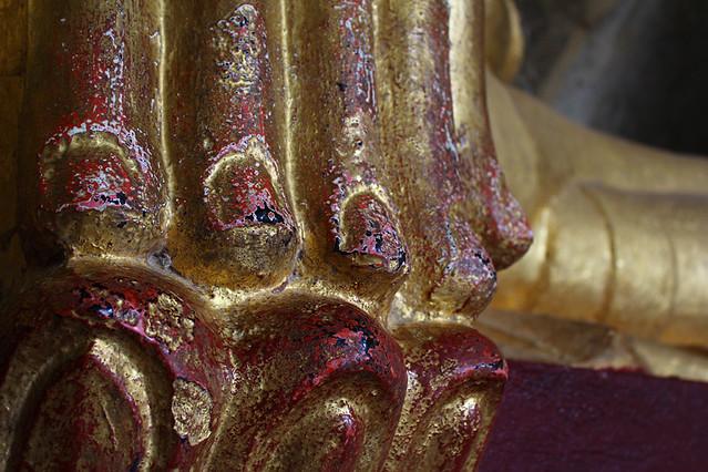 Buddha's fingers - Manuha Paya