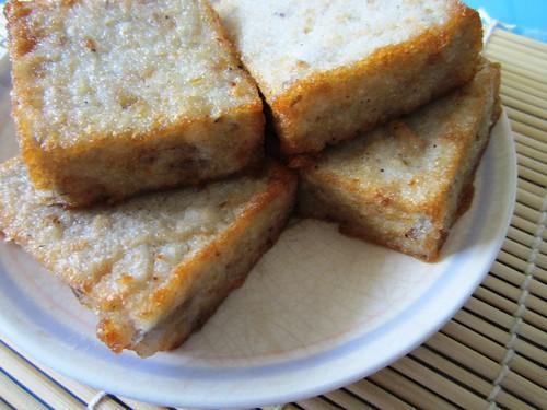 TOTO Cafe deep fried yam cake