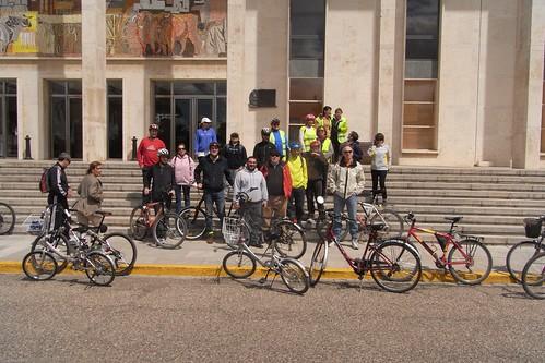 Ultima marcha en bici reclamando el carril a Rabanales.