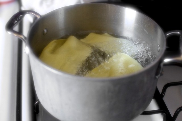 boiling the noodles