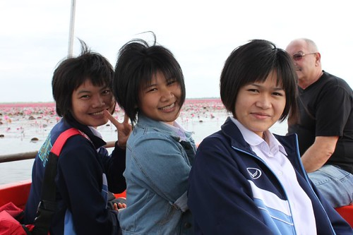 20120113_1699_schoolgirls
