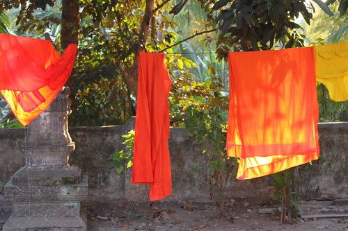 20120127_2792_monks-robes