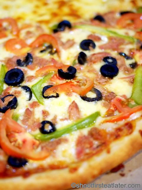 Sandy's Pizza - spicy tuna pizza