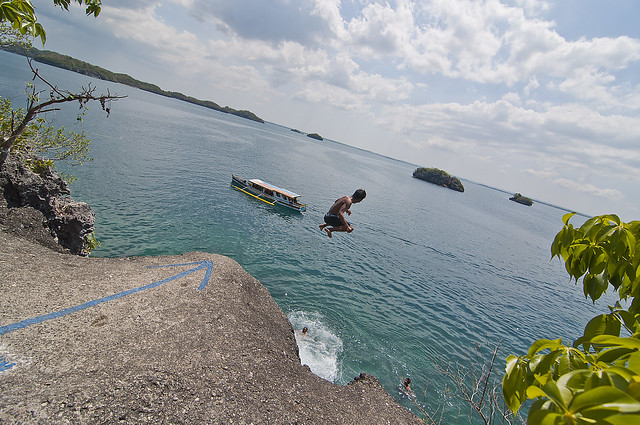 Diving spot from Hundred Islands