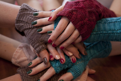 Soakbox: may your nails match your knits. #6