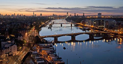 Break of dawn on the Thames