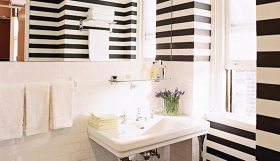 striped-bathroom