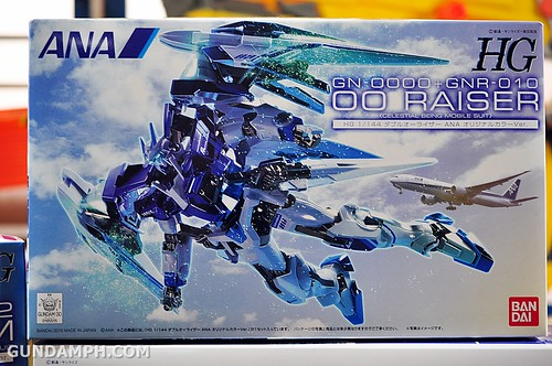 new haul 00 raiser ANA Gundam may 2012 (4)