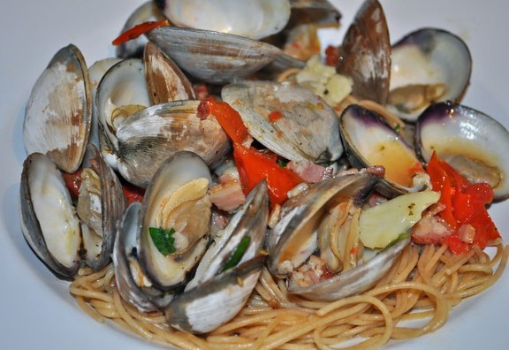 Spaghetti with Oven Baked Clams