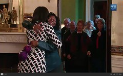 First Lady and Bo surprise tour visitors - pix 08