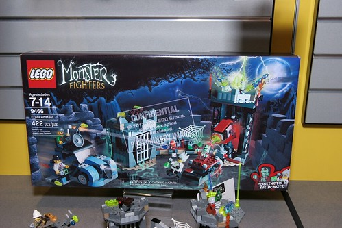 LEGO Monster Fighters 9466 The Mad Professor and His Monster