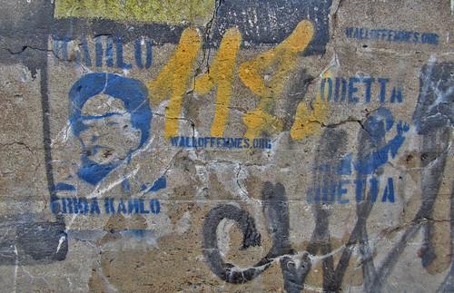 walloffemmes-kahlo+odetta