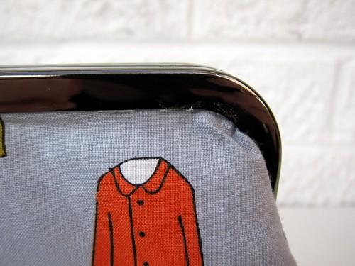 Gluey purse