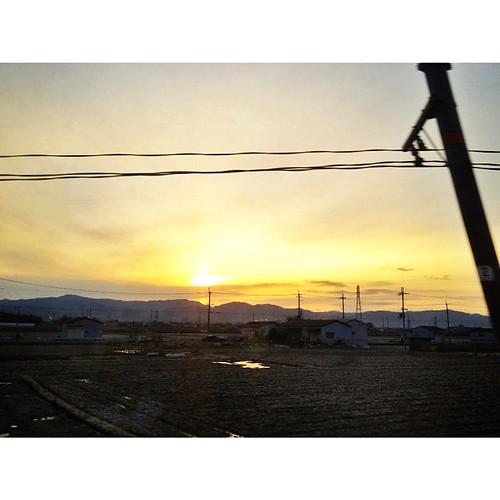 朝焼け… 車窓にて #iphonography #instagram #iphone4s