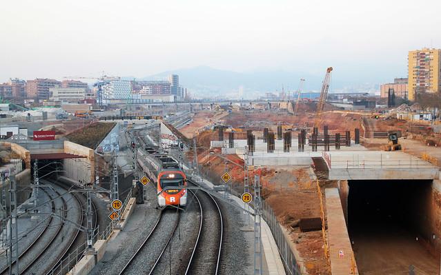 Zona del antiguo puente del trabajo desde puente Calatrava