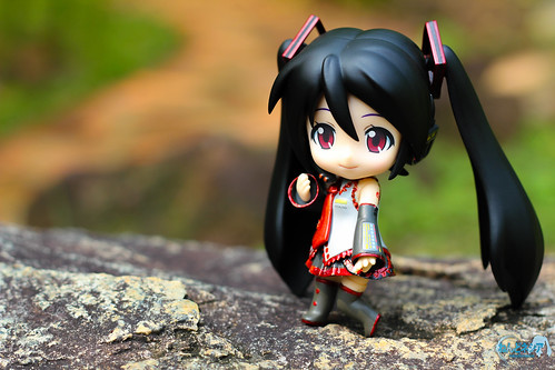 Zatsune Miku was enjoying the short tour at the park