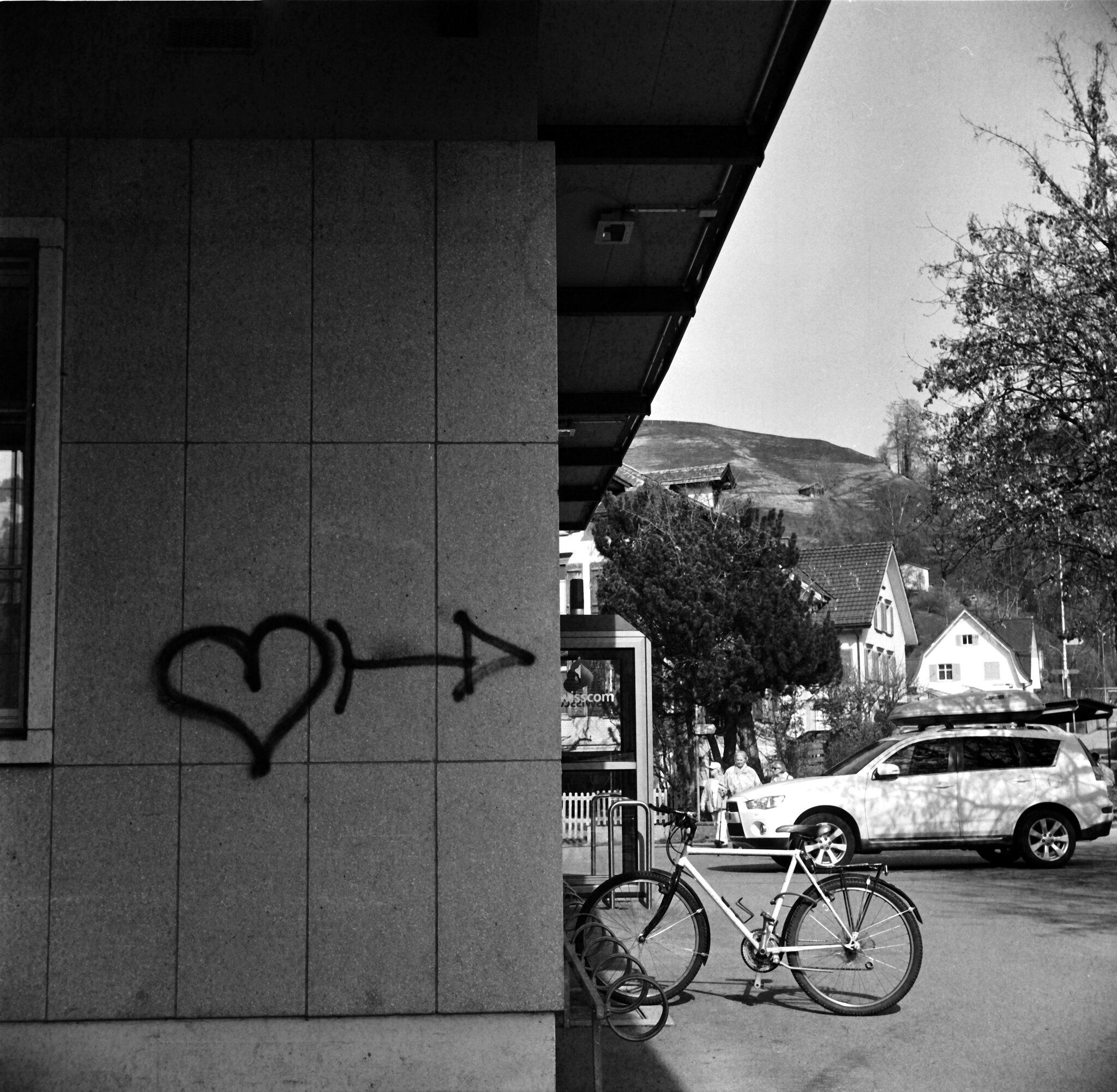 love around the corner 的圖片結果