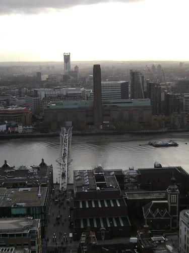 The Thames and Millenium Bridge