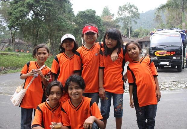 Around Solo, Candi Sukuh, school girls