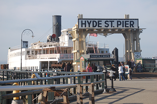 Hyde St Pier sign