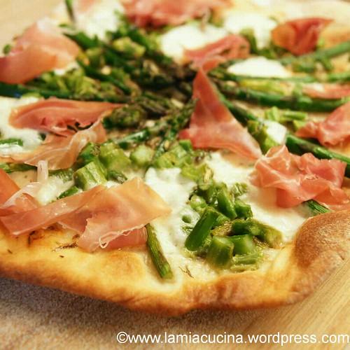 Pizza Asparagi-Prosciutto 0_2012 04 04_4286