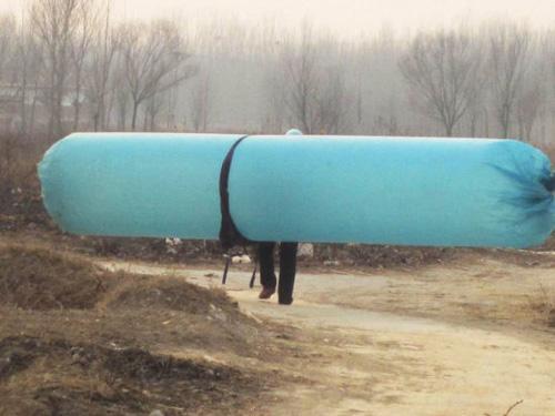国内观光:农民私灌天然气回家