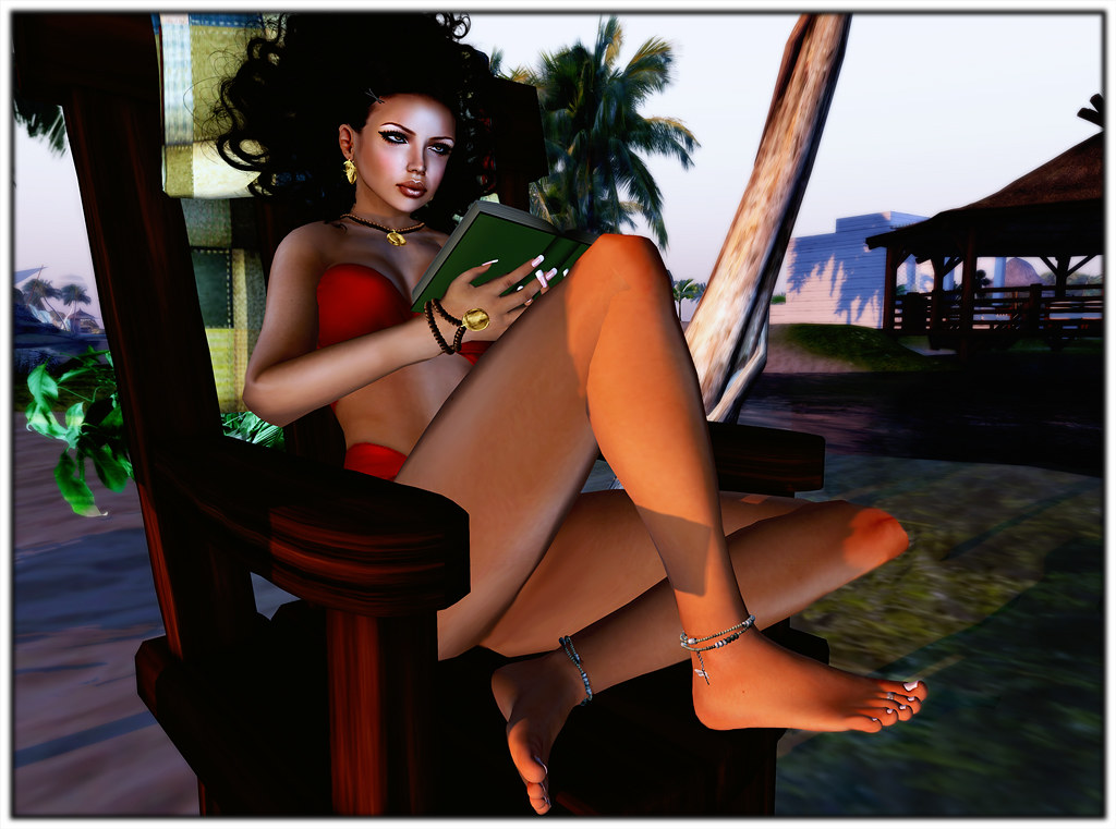 Relax at the beach in Second Life