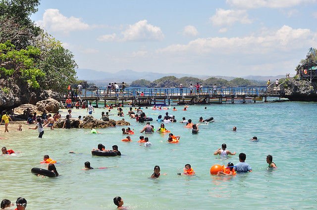 Crowded Quezon Island