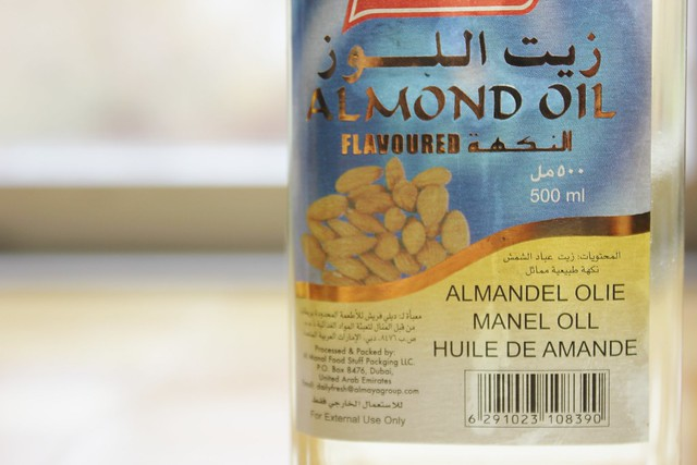 Mandelolja, Almond oil