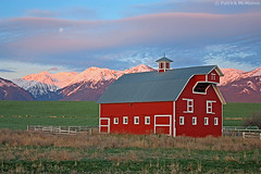 Barn - Wallowa Valley - Oregon - Sunrise